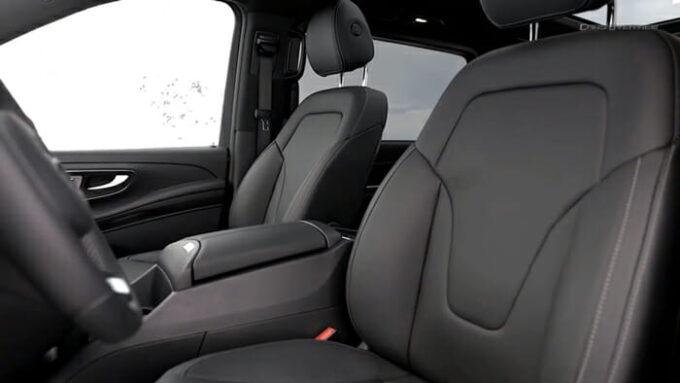 メルセデス・ベンツ Vクラス(V300d)運転席