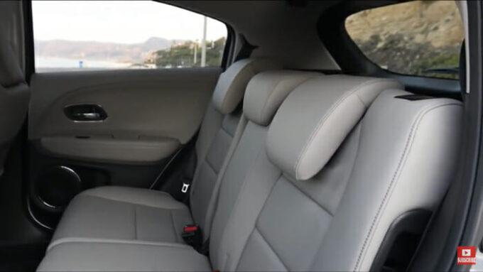 ホンダ HR-V 後部座席