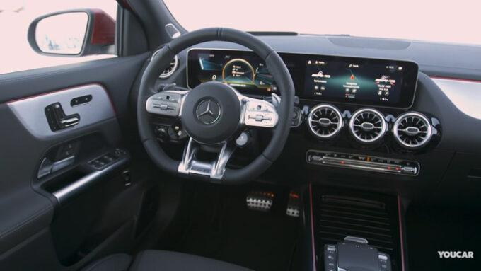 メルセデスAMG GLA 35|運転席