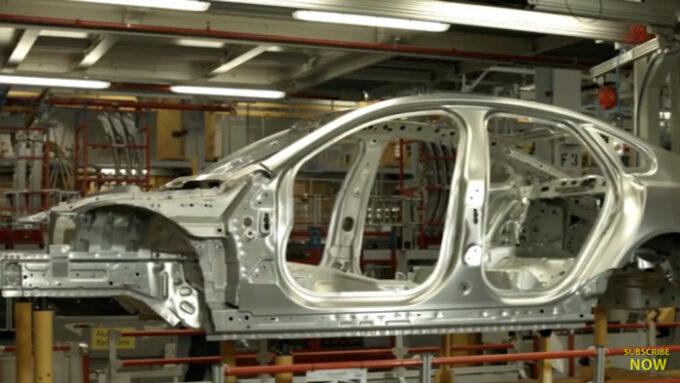 ジャガー工場 生産ライン|ボディーフレーム