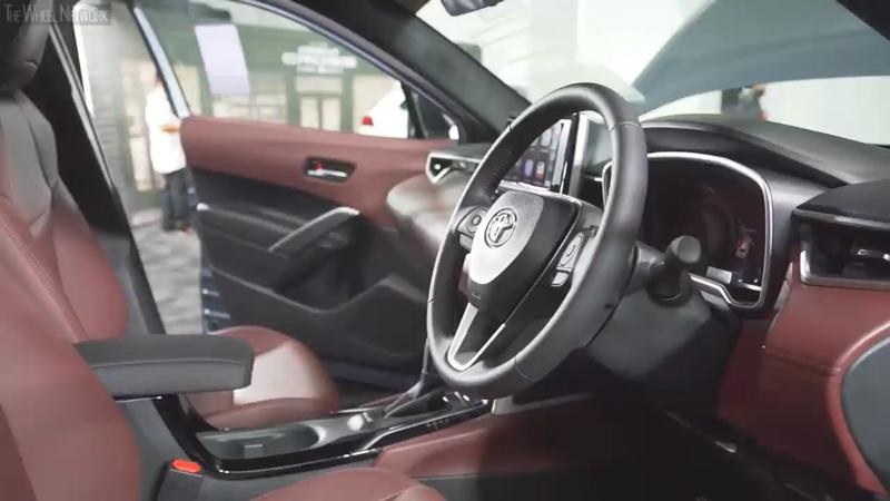 トヨタ カローラ クロス|ステアリング