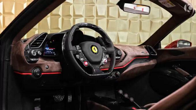 フェラーリ 488 ピスタスパイダー|インテリア