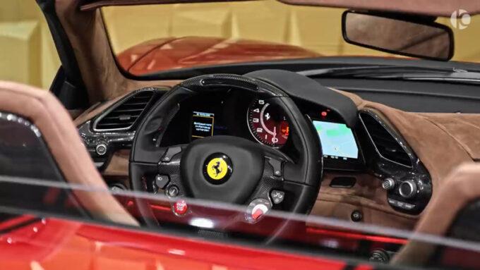 フェラーリ 488 ピスタスパイダー|ステアリング