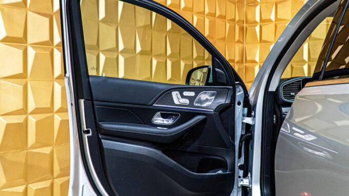メルセデス・ベンツ GLE 450|ドア内側のデザイン