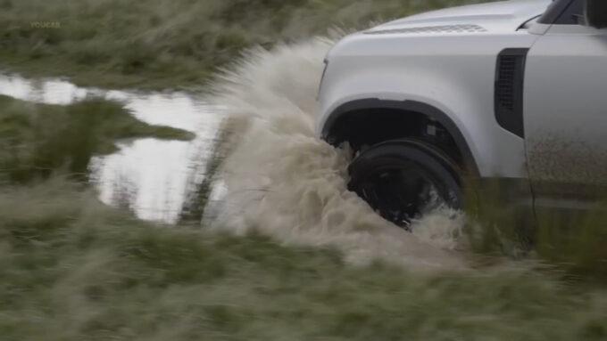 ランドローバー・ディフェンダー 浸水