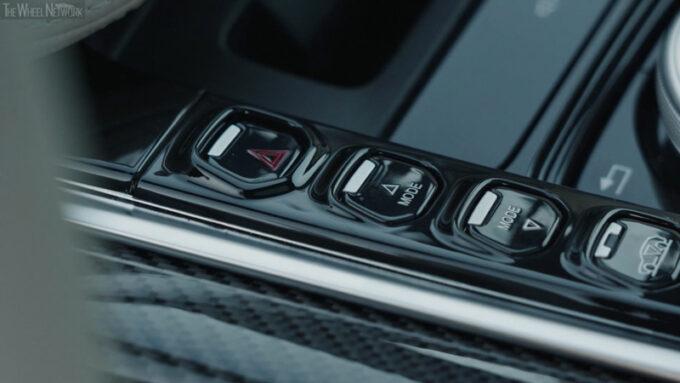 2021 アストンマーチン DBX インテリア ドライブモードセレクトボタン