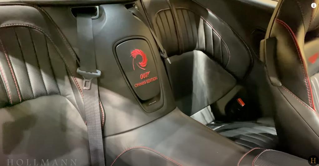 アストンマーティン・DBS 007 内装:後部座席