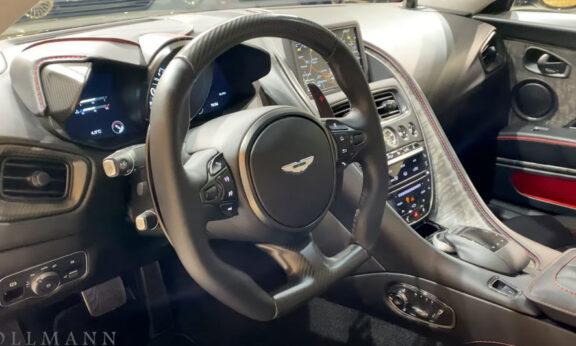 アストンマーティン・DBS 007 内装:運転席