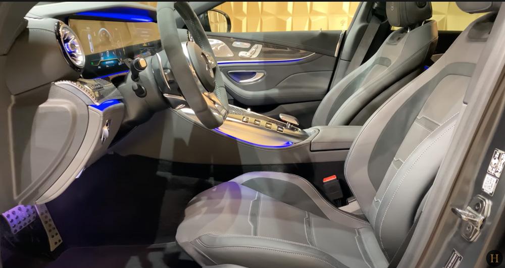メルセデス・ベンツGT63 S AMG BRABUS:運転席