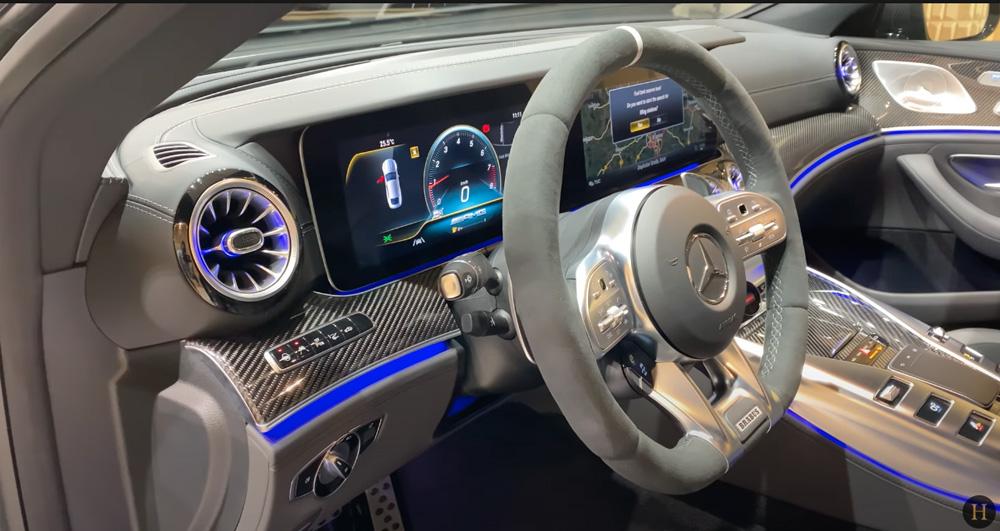 メルセデス・ベンツGT63 S AMG BRABUS:ステアリングホイール
