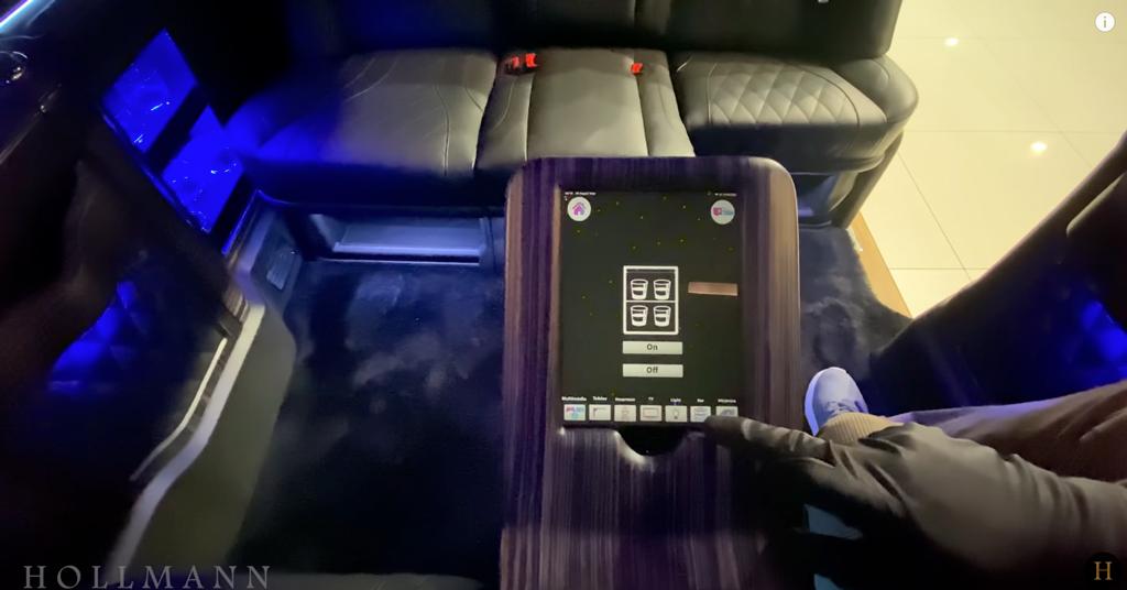 メルセデス・ベンツ V300d 4M カスタマイズド:ボタン操作