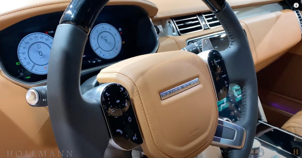 レンジローバー 5.0 V8:ステアリングホイール