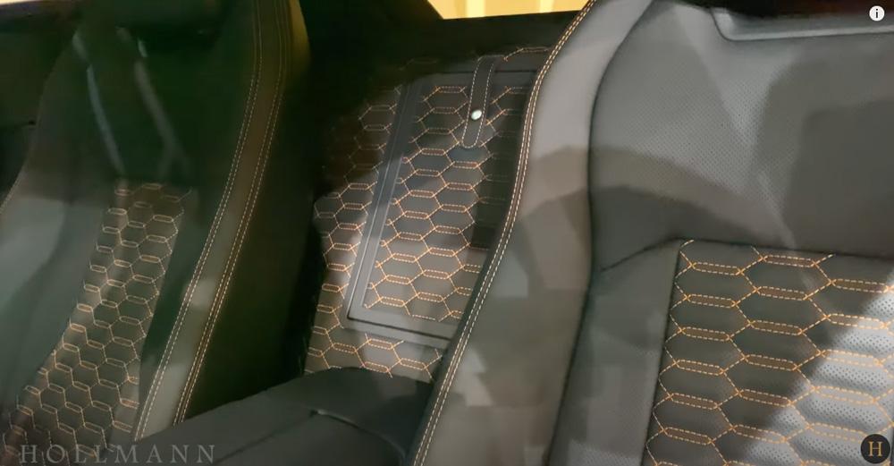 ランボルギーニ・ウルス:内装(インテリア)後席センター